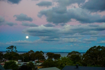 What a treat for our first night, a Blue Moon, Red Moon. Crazy Sunset colours